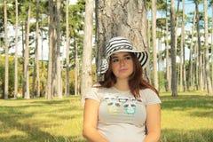 Vrouw met een hoed Royalty-vrije Stock Afbeeldingen