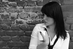 Vrouw met een kop van koffie Stock Fotografie