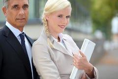 Vrouw met een oudere man Royalty-vrije Stock Foto