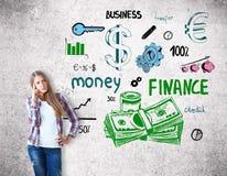 Vrouw met financiële schets Royalty-vrije Stock Fotografie