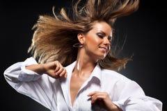 Vrouw met fladderend haar Royalty-vrije Stock Foto's