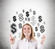 Vrouw met gekruiste vingers en dollartekens Stock Afbeeldingen