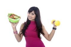 Vrouw met geschiktheidsvoedsel en domoor Royalty-vrije Stock Afbeelding
