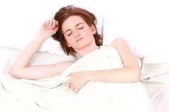 Vrouw met gesloten ogenslaap stock foto's