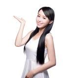 Vrouw met gezondheidshaarverzorging Stock Afbeeldingen
