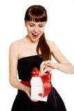 Vrouw met gift Royalty-vrije Stock Afbeeldingen