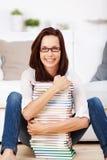 Vrouw met glazen Royalty-vrije Stock Fotografie