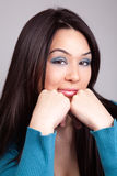 Vrouw met grappige gezichtsuitdrukking stock afbeelding