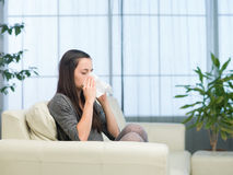 Vrouw met griep Royalty-vrije Stock Afbeelding