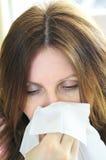 Vrouw met griep of allergie Royalty-vrije Stock Foto's