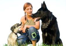 Vrouw met haar hond Stock Foto's