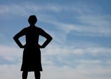 Vrouw met hemel royalty-vrije stock fotografie