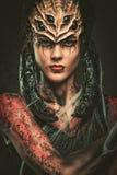 Vrouw met het art. van het spinlichaam royalty-vrije stock afbeelding
