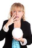 Vrouw met het fortuin van de glasbal het vertellen Royalty-vrije Stock Foto