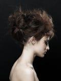Vrouw met het kapsel van manierupdo Stock Fotografie