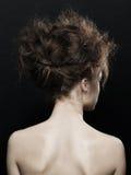 Vrouw met het kapsel van manierupdo Royalty-vrije Stock Afbeeldingen