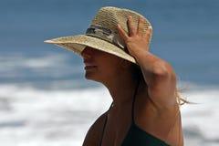 Vrouw met hoed Royalty-vrije Stock Afbeeldingen