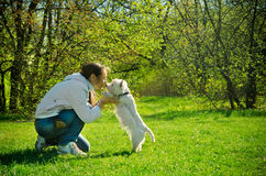 Vrouw met Hond Stock Fotografie