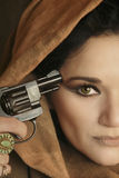 Vrouw met kanon Royalty-vrije Stock Foto's