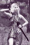 Vrouw met katanazwaard royalty-vrije stock fotografie