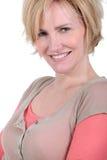 Vrouw met kort blondehaar Royalty-vrije Stock Foto