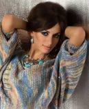 Vrouw met make-up in manierkleren royalty-vrije stock afbeeldingen