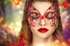 Vrouw met masker Stock Foto's