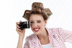 Vrouw met 35mm Camera Stock Afbeelding