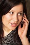 Vrouw met mobiel royalty-vrije stock fotografie