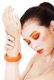 Vrouw met mooi kunst oranje abstract merk-u Royalty-vrije Stock Fotografie