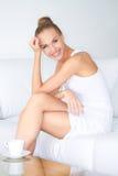 Vrouw met mooie glimlach Stock Foto's