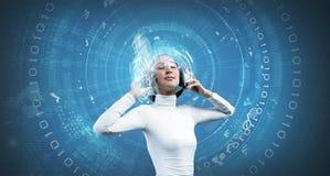 Vrouw met oortelefoons Royalty-vrije Stock Afbeeldingen