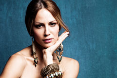 Vrouw met oosterse juwelen Royalty-vrije Stock Fotografie
