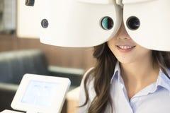 Vrouw met optometrie stock fotografie