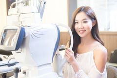 Vrouw met optometrie stock foto