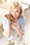 Vrouw met parfumfles Royalty-vrije Stock Foto