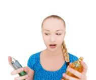 vrouw met parfums stock foto