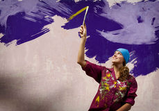 Vrouw met penseel Royalty-vrije Stock Foto's