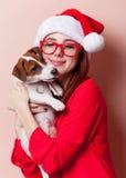 Vrouw met puppy Royalty-vrije Stock Afbeelding
