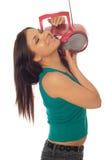 Vrouw met radio Stock Afbeeldingen