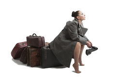 Vrouw met retro koffers Royalty-vrije Stock Foto's