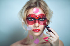 Vrouw met rode lippenstift royalty-vrije stock fotografie