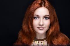 Vrouw met rood haar stock foto