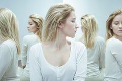 Vrouw met schizofrenie tijdens behandeling stock fotografie