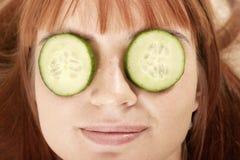 vrouw met schoonheid-masker royalty-vrije stock foto