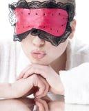 Vrouw met slaapmasker. Royalty-vrije Stock Foto