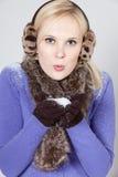 Vrouw met sneeuw Stock Afbeeldingen