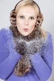 Vrouw met sneeuw Royalty-vrije Stock Fotografie