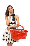 Vrouw met supermarkeymand Stock Foto's