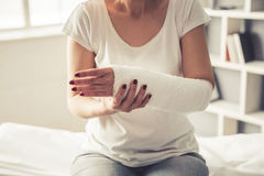 Vrouw met trauma stock foto's
